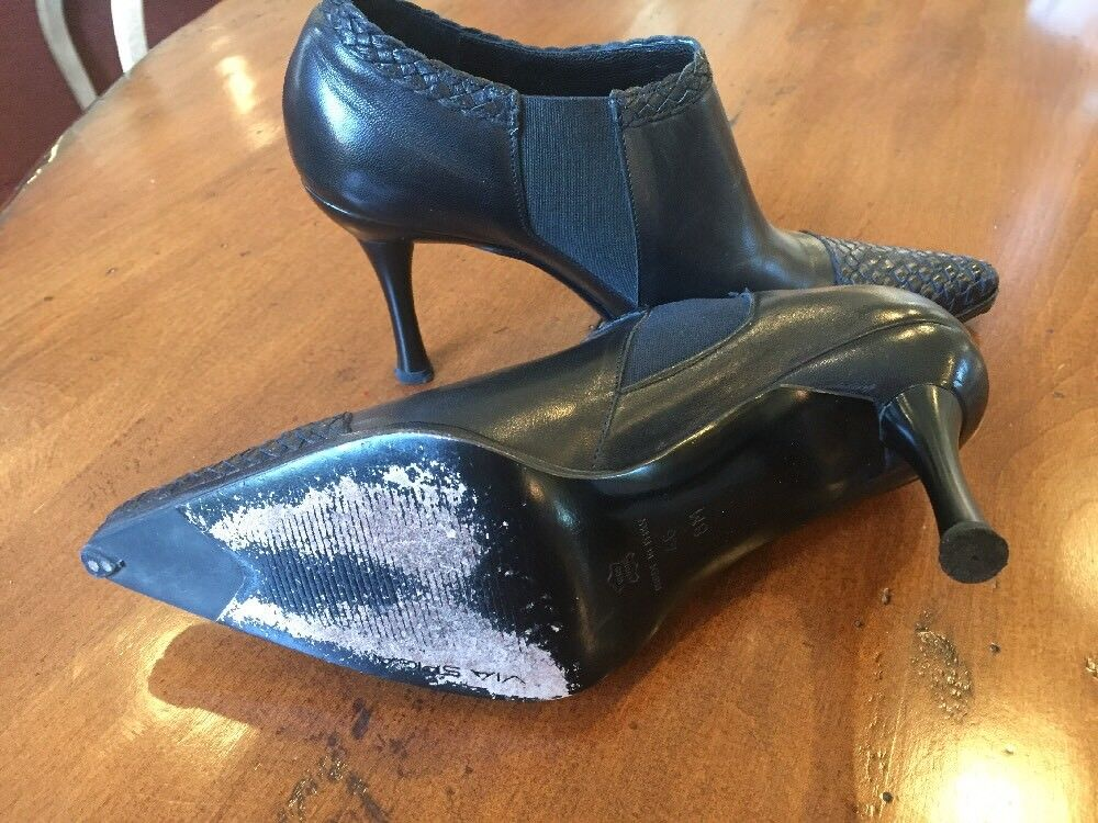 Via Spiga Black Black Black Pointy Toe Leather Booties With Woven Details Size 8M 823288
