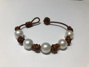 c1f72622b891 La imagen se está cargando Pulsera-Cuero-con-Perlas -Naturales-Leather-Brown-Bracelet-