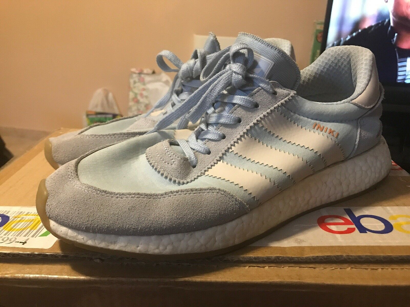 Men's Adidas Iniki Runner BB2099 Baby bluee White Size 11.5 Pre Owned Authentic