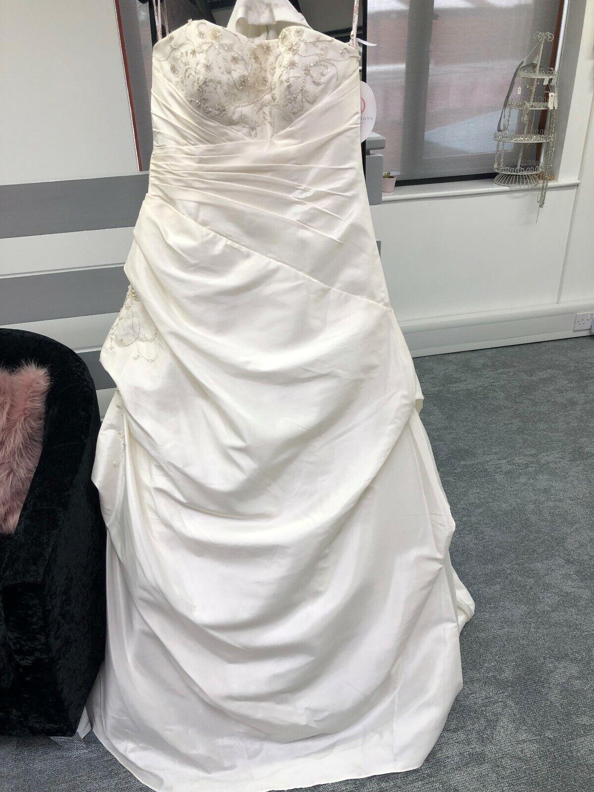 28.Veromia Wedding Dress VR6963 UK16 Ivory tafetta