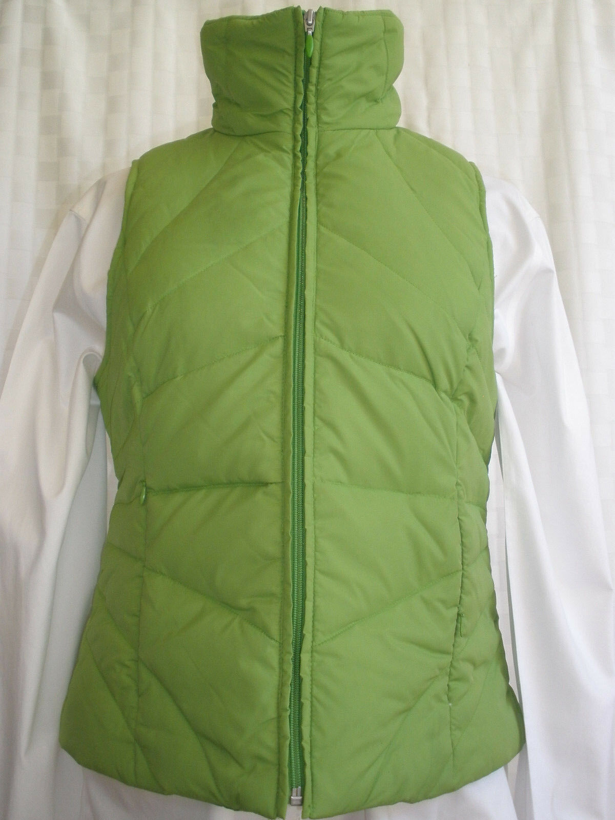 KENNETH COLE REACTION DOWN VEST WOMEN SIZE S VERY NICE & WARM RARE NEW