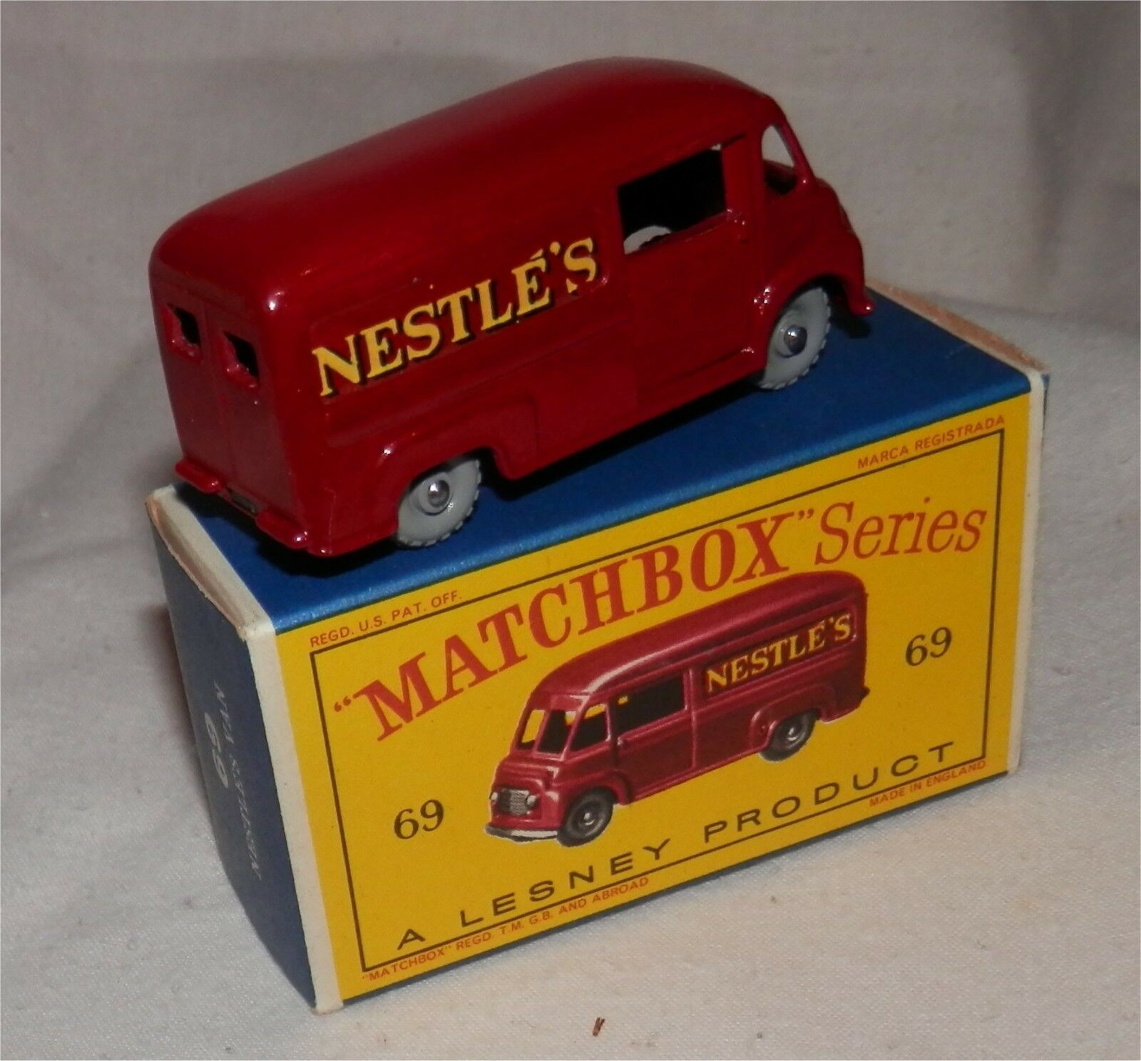 Red, 1960 S. LESNEY. MATCHBOX .69 .69 .69 NESTLE'S Van Gris Aubergine roues. Comme neuf in D Type Box | Outlet Online Store  | Stocker  | Pas Cher  bd94f3