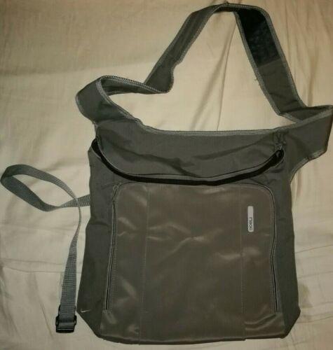 Nike Umhängetasche Schoulderbag grün Tasche DJ Vinyl Bag Sporttasche