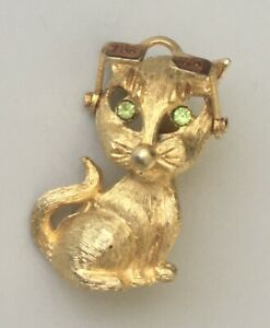 Adorable-Vintage-Cat-with-sunglasses-brooch-Pin-gold-tone-metal