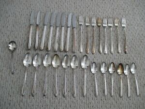 Rogers-amp-Son-Exquisite-Silver-Plate-Flatware-30-pc-mixed-set-Vintage