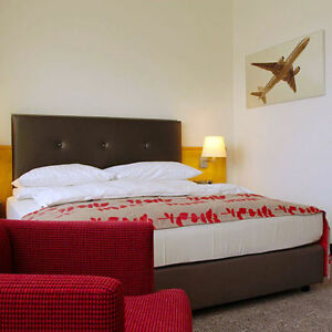 park sleep fly bernachtung holiday inn hotel frankfurt. Black Bedroom Furniture Sets. Home Design Ideas