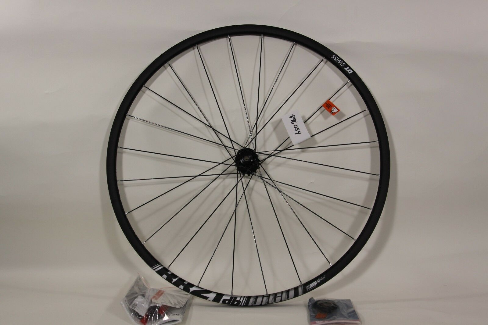 DT Swiss RR21 db Dicut 700c Disc Alloy Front Wheel 12x100mm w adapters CL 896054