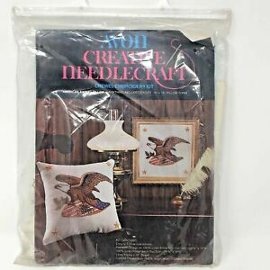 Vintage-Avon-Creative-Needlecraft-Kit-American-Eagle-Pillow-Crewel-Embroidery