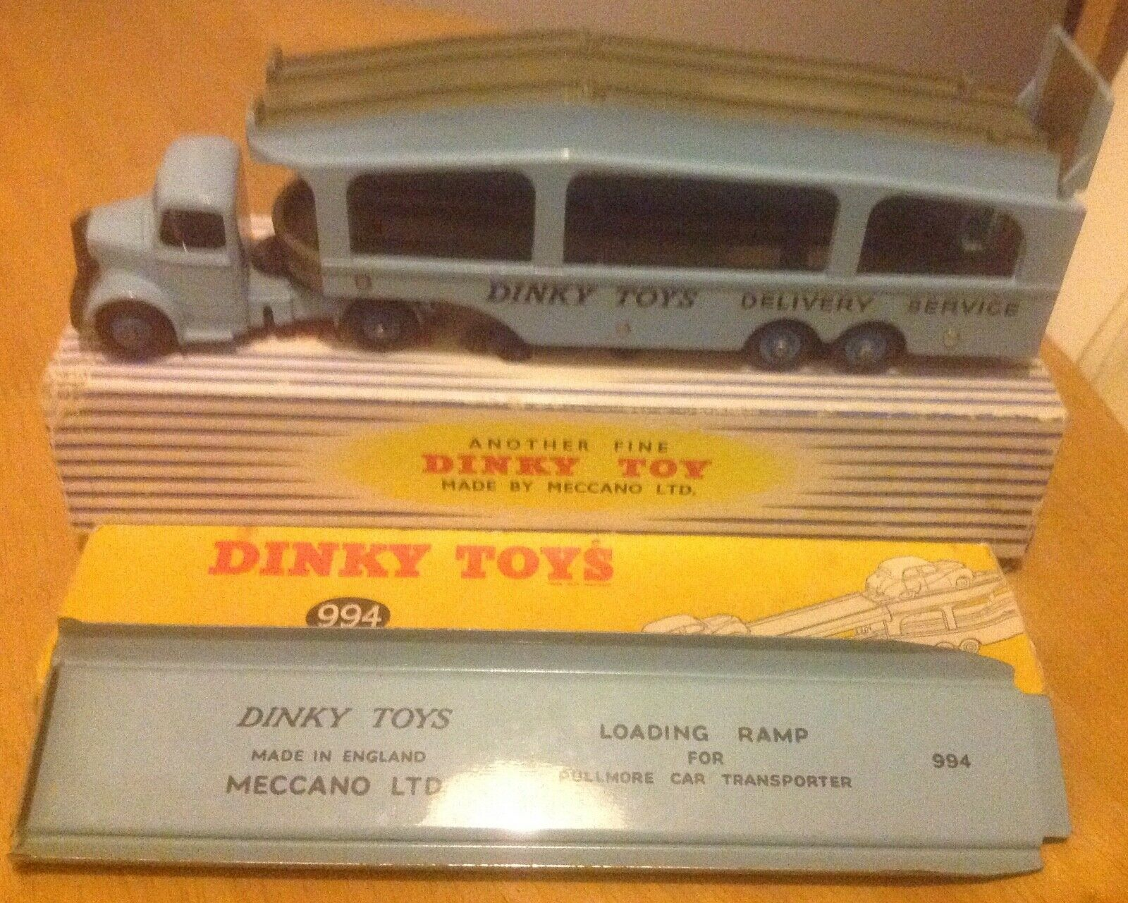 DINKY 582 TRANSPORTER & DINKY 994 LOADING RAMP BOXED