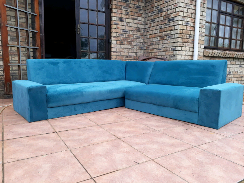 Couch/Sofas R3500