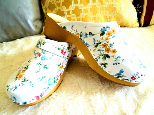 White and flowers Leather Swedish Clogs classic style wood clogs handmade Toffel