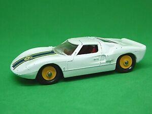 Matchbox-Lesney-No-41c-Ford-GT-40-Racing-Car-YELLOW-HUBS
