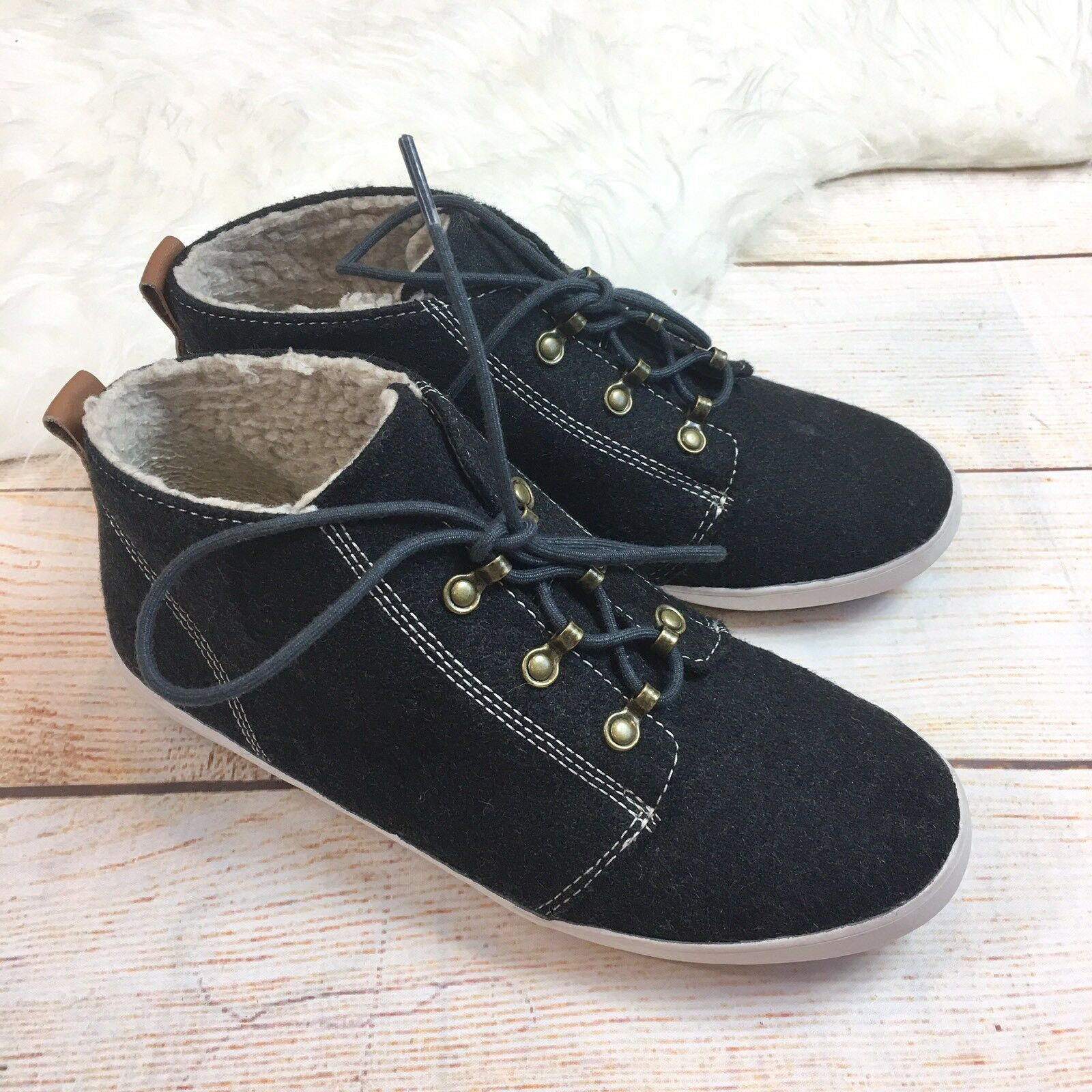 Fred Perry Womens Globe Wool Sherpa Lined Mid Top shoes Sneakers US 6