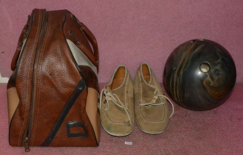Vintage Ebonite Maxim IV Bowling Ball With Size 10 shoes.