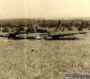 RED-STAR-DOWN-Wehrmacht-Troops-w-Shot-Down-Russian-IL-2-Sturmovik-Attack-Plane