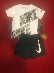 Nike Toddler Boy 2 Pc Set Short Sleeve Tee /& Dri-F Dual Pockets Shorts Sz 2T NWT