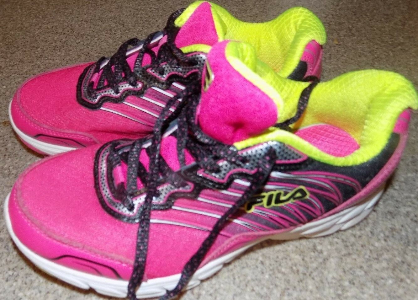 FILA WOMENS SIZE 3 PINK AND YELLOW Comfortable and good-looking