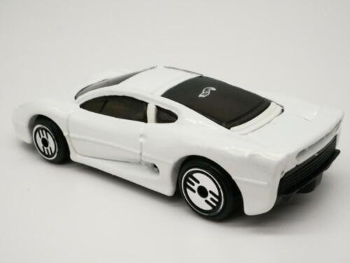 Jaguar XJ220  1//64 Scale Diecast Collectible Car Hot Wheels
