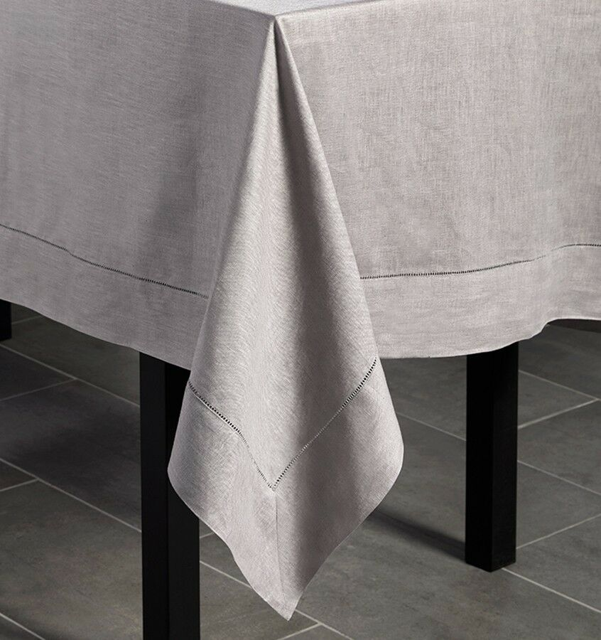 SFERRA Festival 54x54  Tablecloth - Rasberry