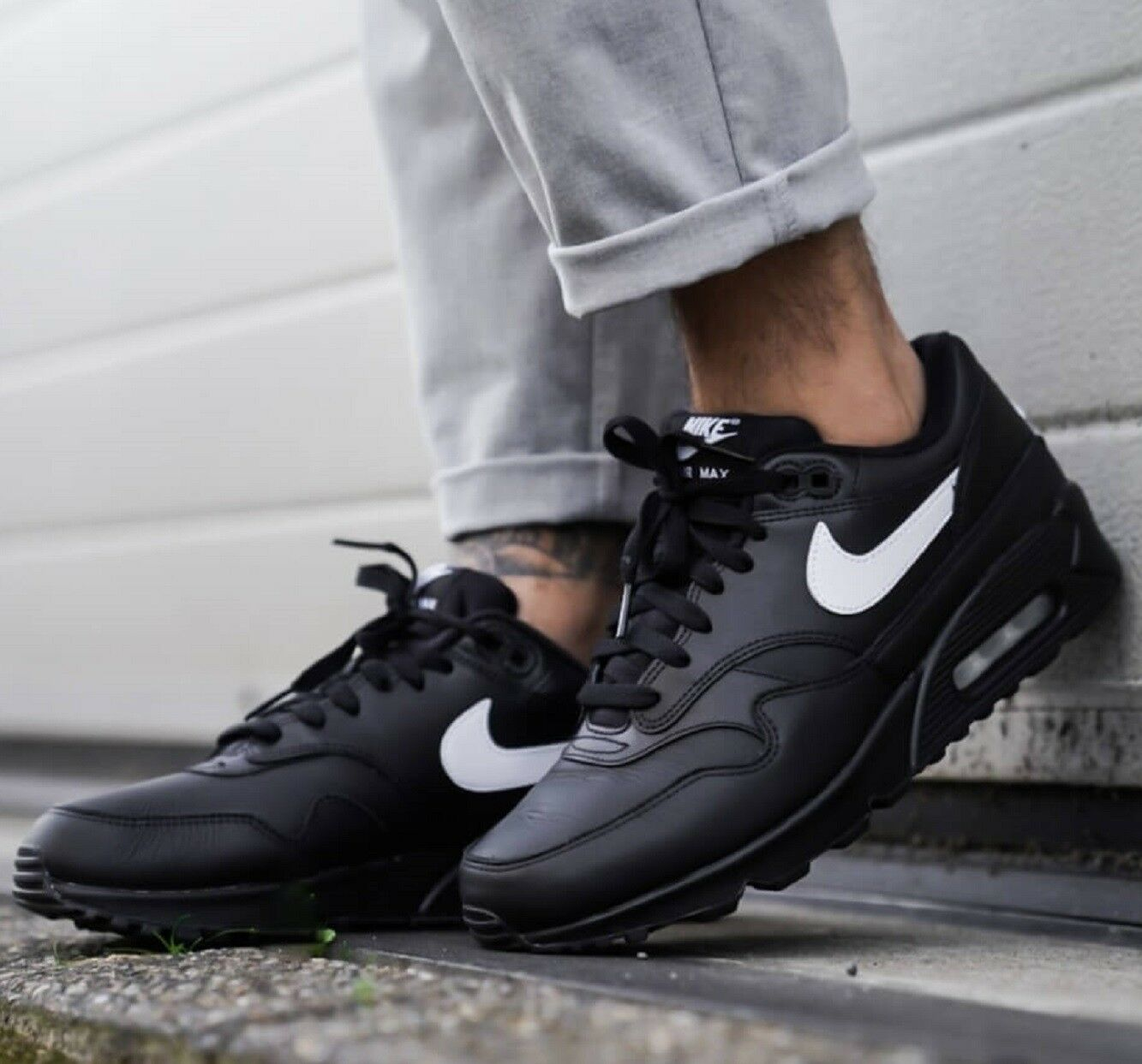 Nike Air Max 90 1 Men's Black White Sneaker Lifestyle shoes