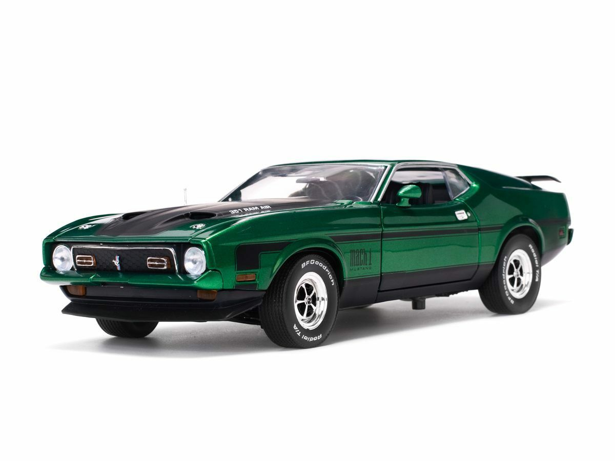 1971 Ford Mustang Mach 1 Green 1 18 SunStar 3634