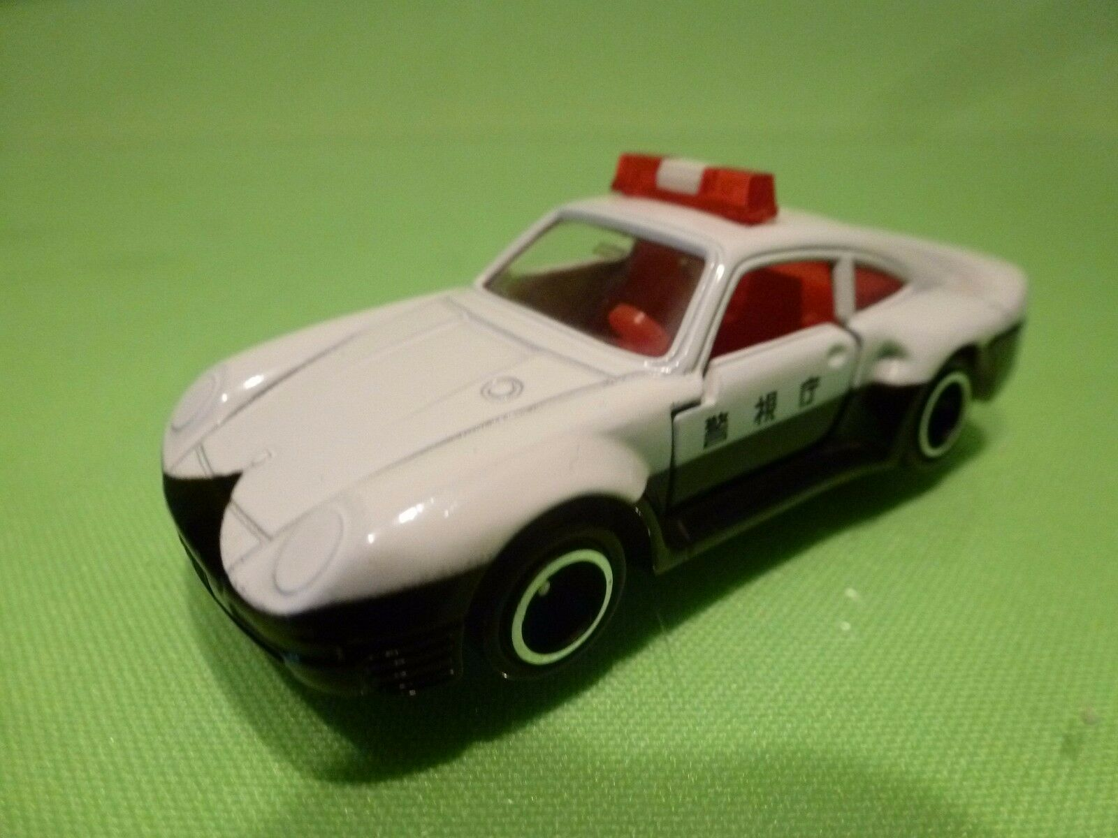 TOMICA 120 PORSCHE 959 - JAPAN  POLICE - bianca  1:58 EXTREMELY RARE - EXCELLENT