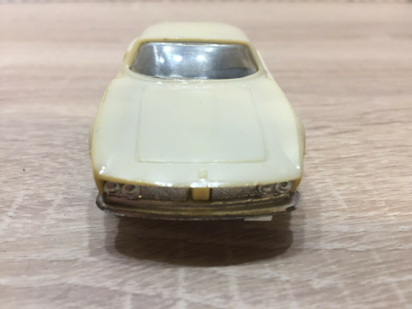 RAR  Novoexport Novoexport Novoexport USSR Politoys Kopie Iso Grifo Coupe 5,7 L Weiß 1 43 Sehr gut 4e8bee
