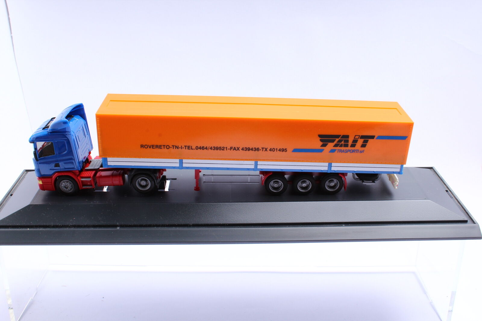 Herpa  Scania Scania Scania 124 L Planen-SZ FAIT Transporti srl Italien 1 87 in PC-Box 3cd968