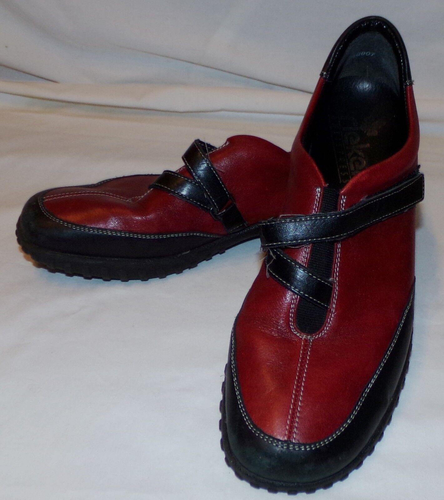 2 Antistress Schuhe 8 42 Schwarzer Damen Rot Slipper Rieker 1 8 5 eD29IEWHYb