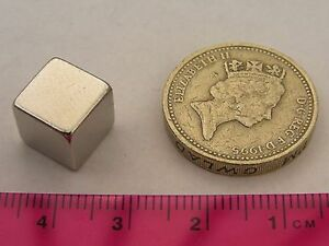 4-of-10mm-Neodymium-Cube-Magnets-neo-Rare-Earth-Square-Strong-magnetic-blocks
