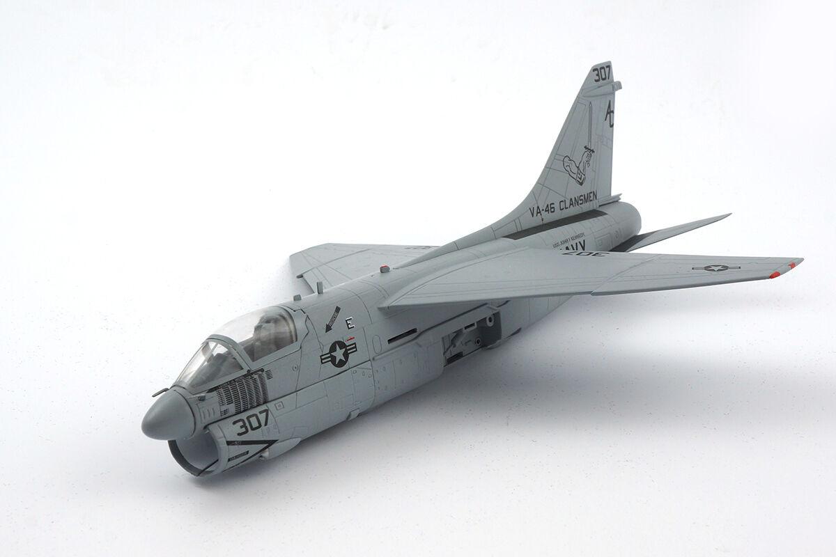 580175 - Herpa u.s. navy vought a-7e Corsair II  Clansmen  - 1 72