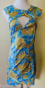 Brand-New-WHITE-CLOSET-Blue-and-Gold-Bodycon-Cut-Out-Dress-sizes-8-10-12