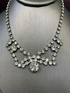 Stunning-1950-s-Clear-Rhinestones-Vintage-Flower-Girl-Necklace-Wedding-Prom-15