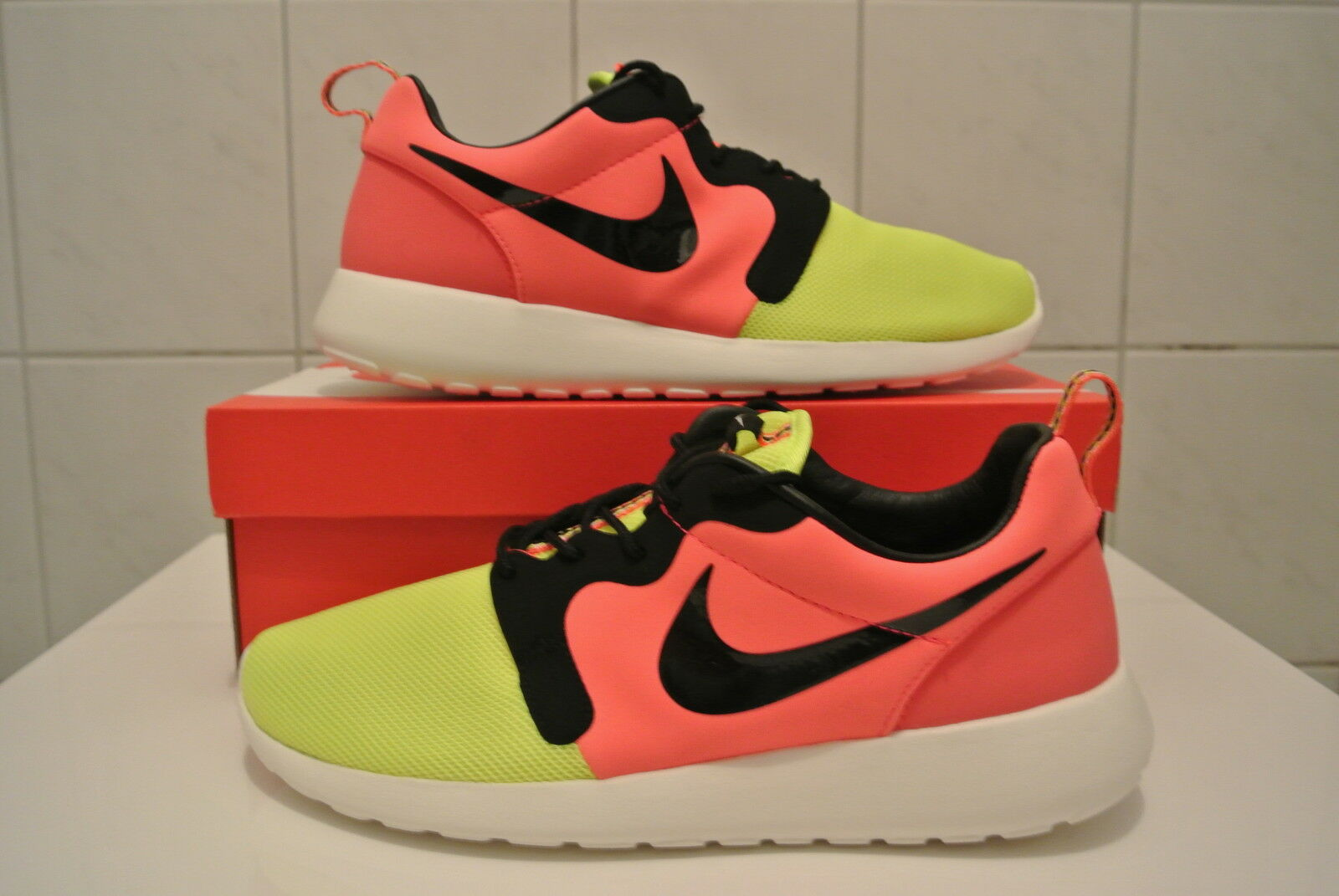Nike Rosherun HYP PRM QS Neu & OVP 669689 700