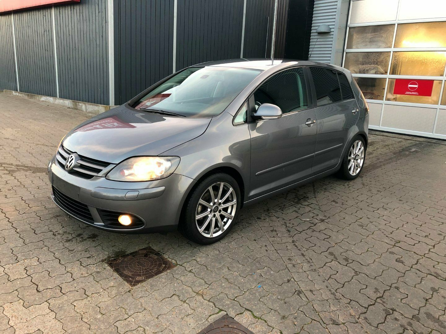 VW Golf Plus 2,0 TDi Sportline DSG 5d - 59.900 kr.