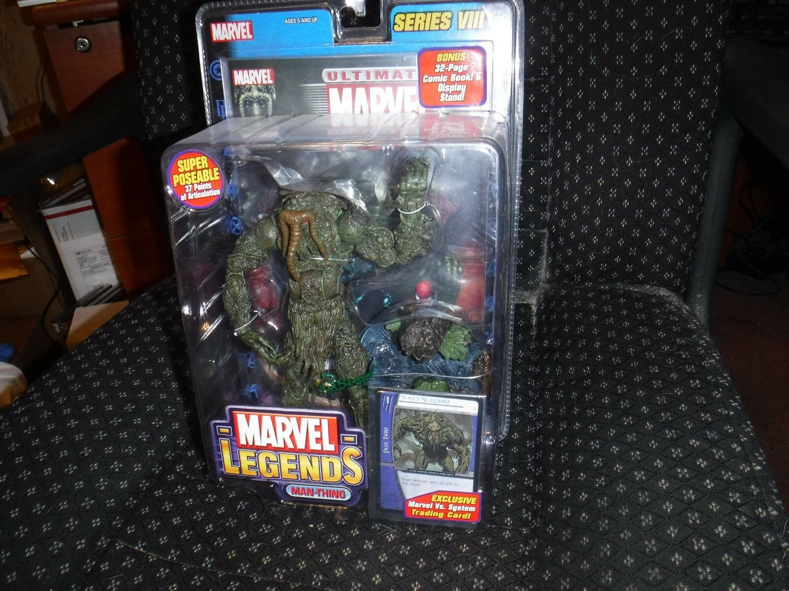 ToyBiz Marvel Legends MAN-THING Series 8 VIII With Comic Book & Trading Card