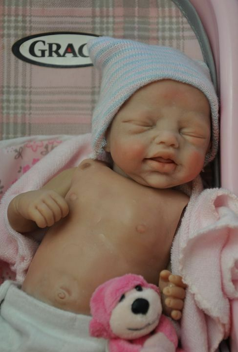 Becca 9  MINI KIT tiny bambola VUOTO VINILE  parti per fare un rinato bambino-non completa  100% nuovo di zecca con qualità originale