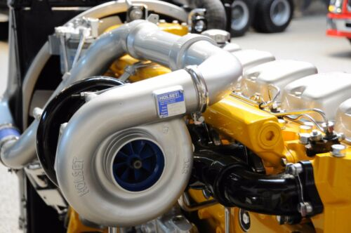 POCHER 1//8 KM87 VOLVO F12//F16 ENGINE ASSEMBLY CD-ROM