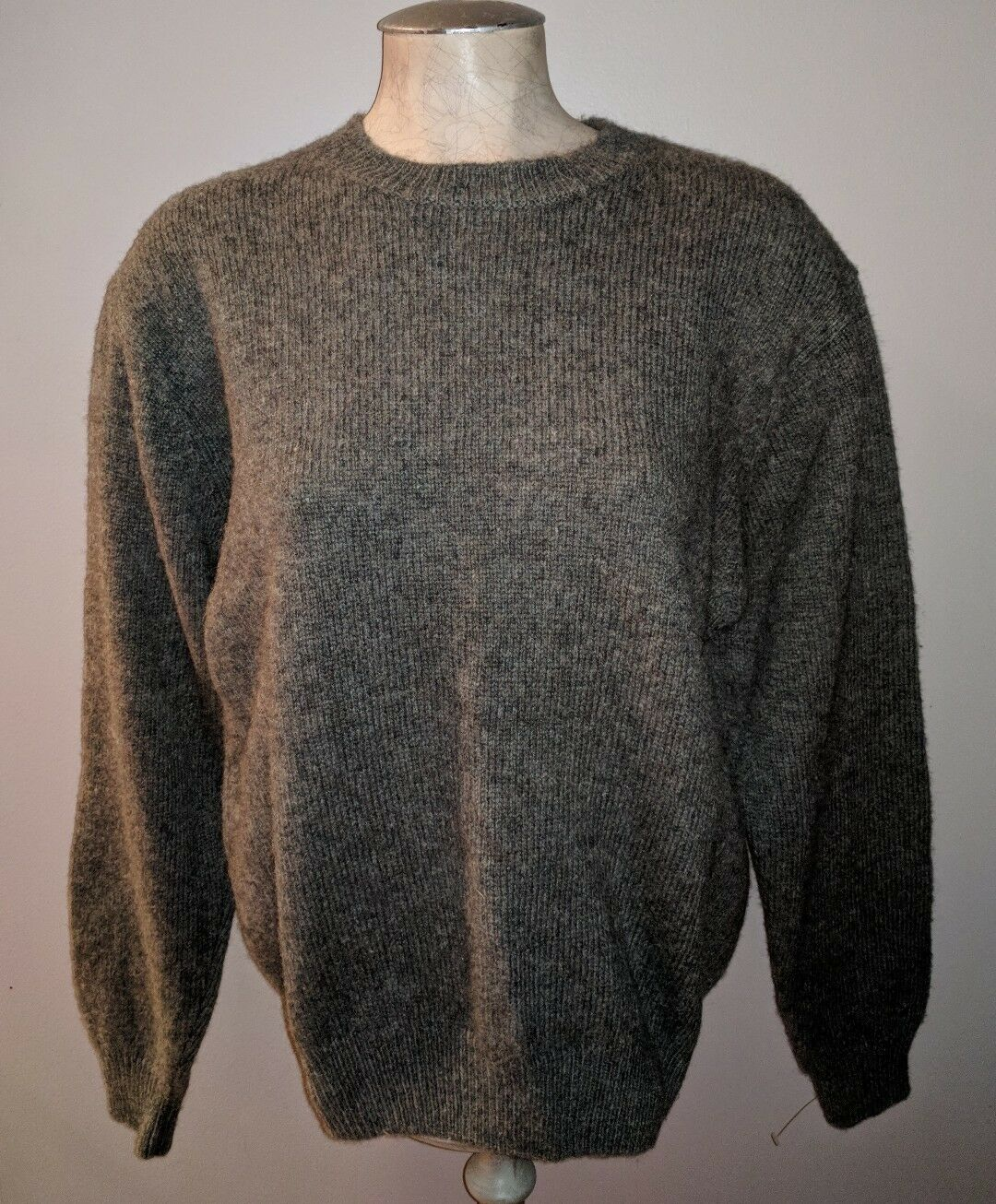 CABELAS WOOL MOSS GREEN  HUNTING OUTDOORS HIKING SWEATER MENS M OUTDOOR GEAR  comfortably