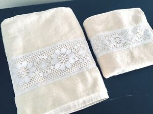 Cannon-Monticello-Bath-Hand-Towels-2pc-Cream-with-White-Lace-Flowers-Vintage