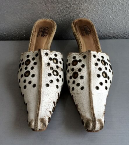 BUFFALO London White Distressed Leather Studded Gr