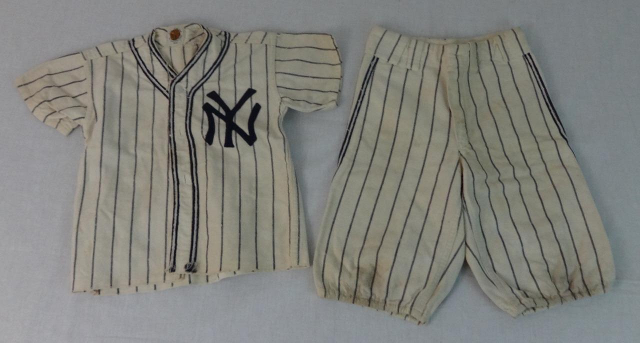 Fantastic Rare Vintage NY Yankees Yankees NY Child's Wool Baseball Uniform Circa 1950's d5cda8
