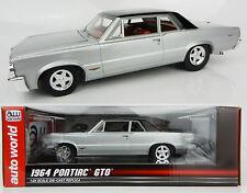 1:24 AUTO WORLD = Silver & Black 1964 Pontiac GTO *DIECAST* NIB!