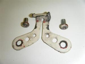 82-HONDA-CR250R-CR250-CR-250-125-R-CR125-CR125R-FUEL-GAS-TANK-REAR-STRAP-BRACKET