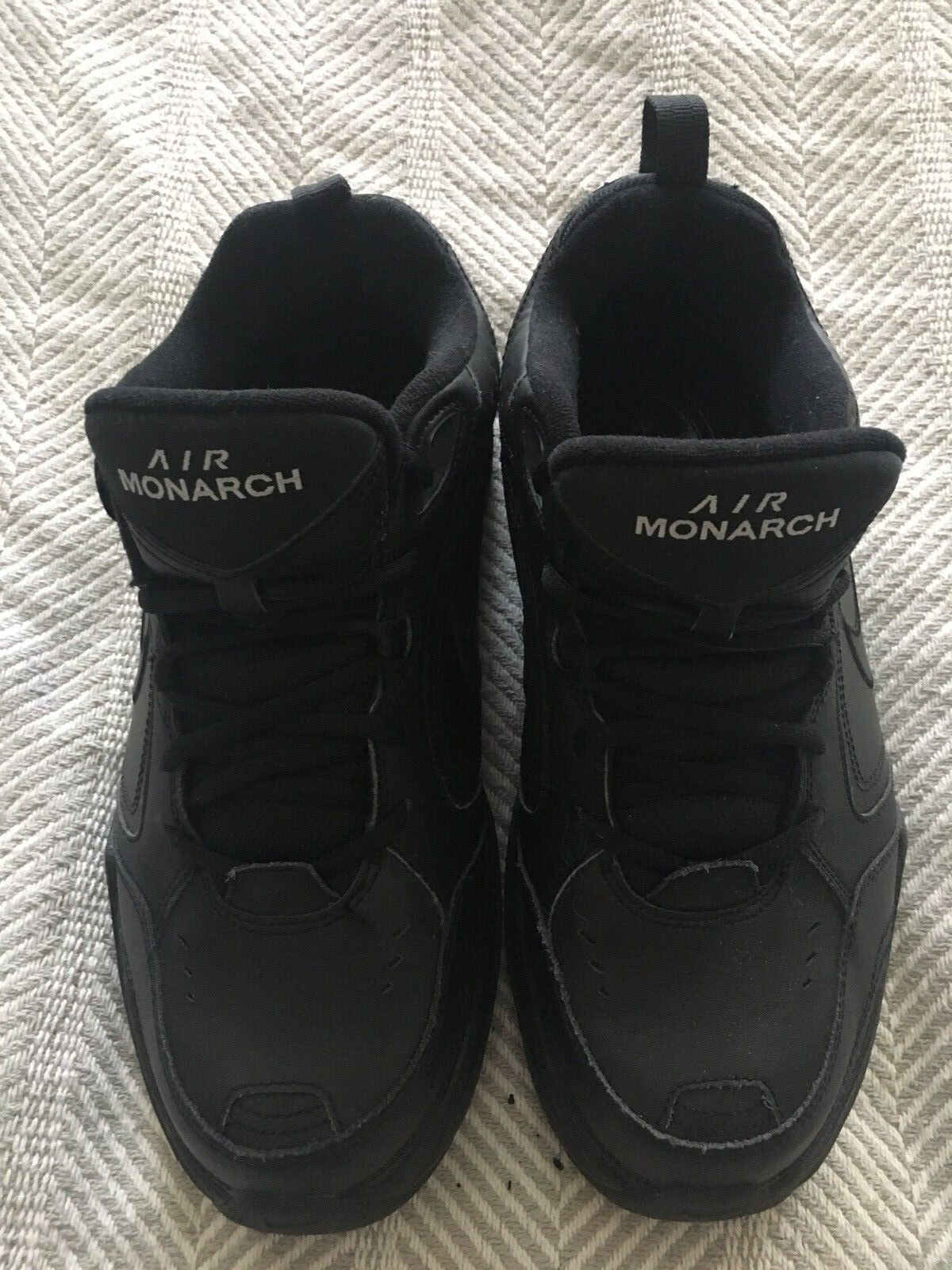 release date: bad29 ce5a4 Nike Air monarcas Solid Negro Hombre sz 9,5 Comfort Comfort Comfort Lace Up  Running