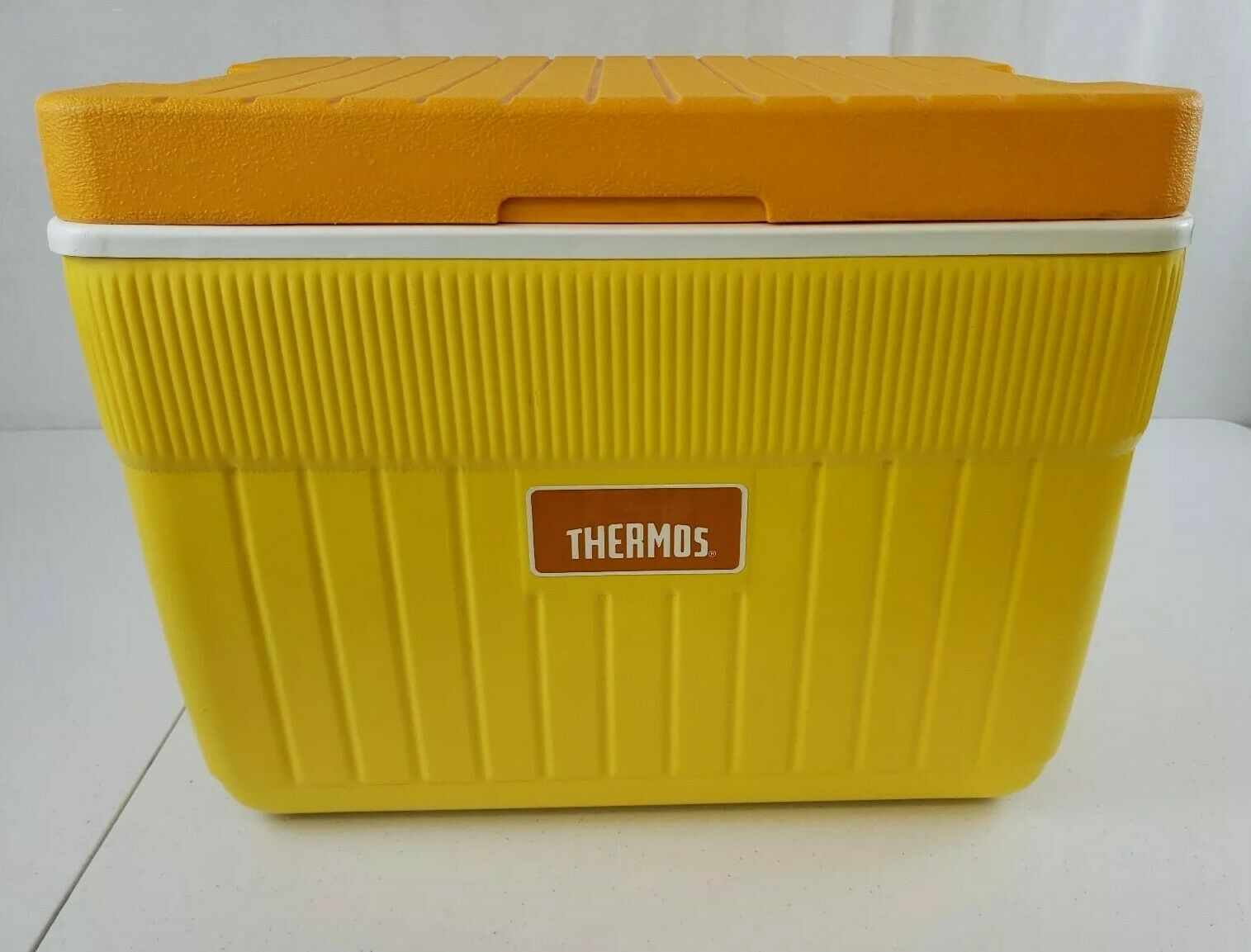 Thermos Vintage YELLOW orange RARE Cooler Ice Chest Camping 35-QT  33-Litre  high quality