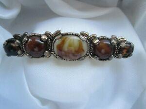Vintage-Miracle-Marbled-Amber-Glass-Celtic-Gold-Tone-Bar-Signed-Brooch-Kilt-Pin