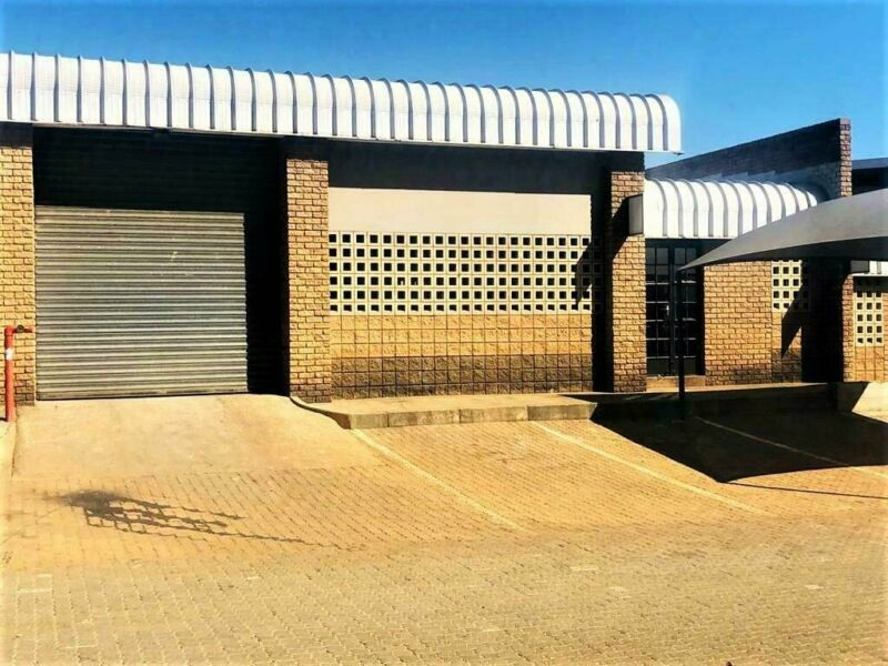 215SQM LIGHT INDUSTRIAL WAREHOUSE TO RENT ON MAGGS STREET BASED IN WALTLOO