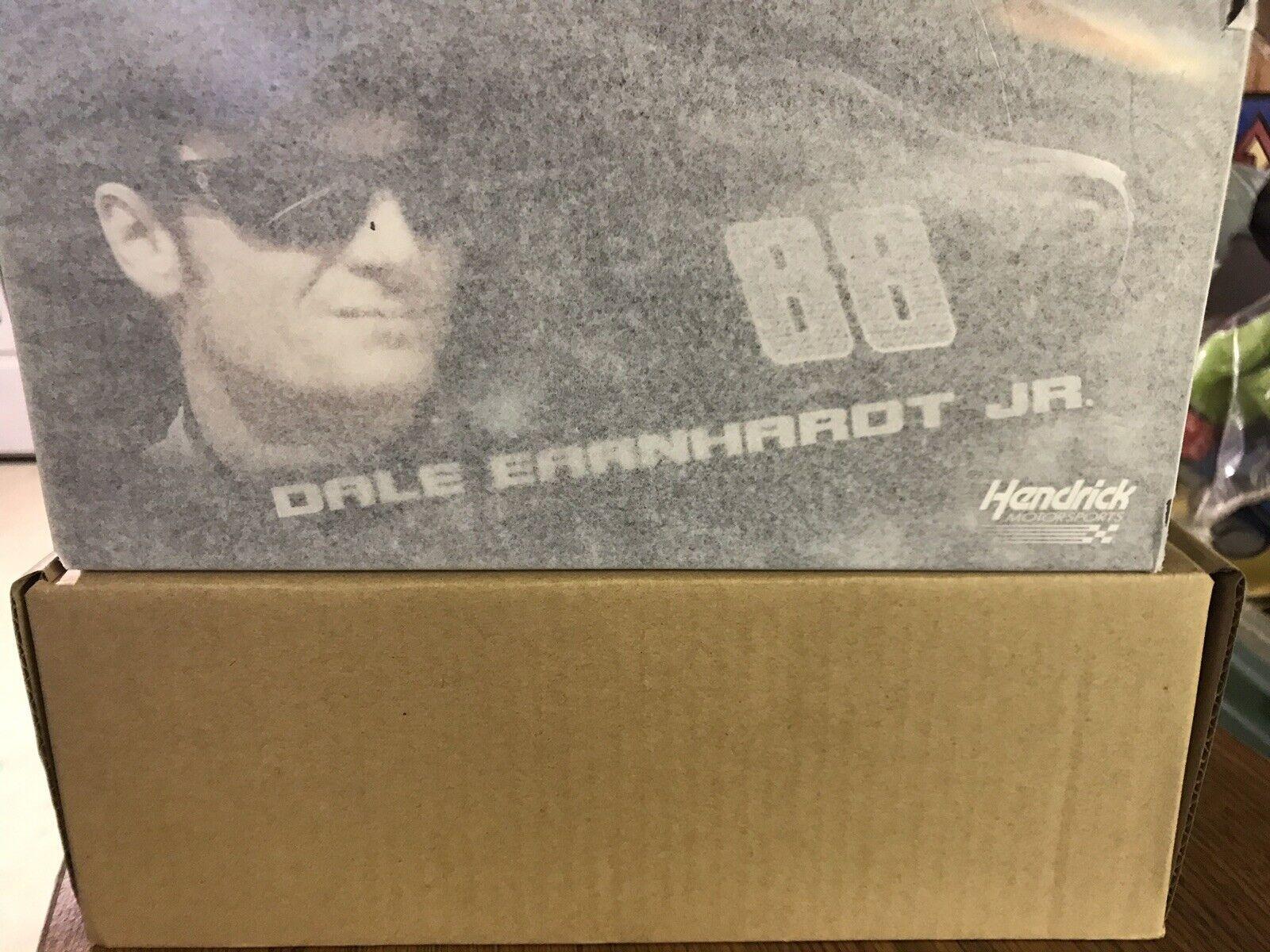 2015 Dale Earnhardt Jr nouveau in Box Dew  Shine Couleur chrome 1 24th HMS Chevy SS 1 de 372  acheter 100% de qualité authentique