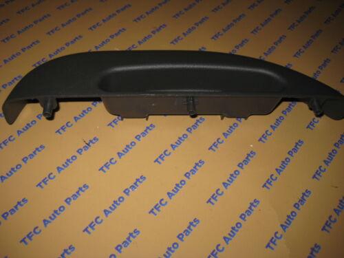 Chevy GMC Topkick Kodiak C4500 C5500 C6500 C7500 LH Drivers Front Arm Rest